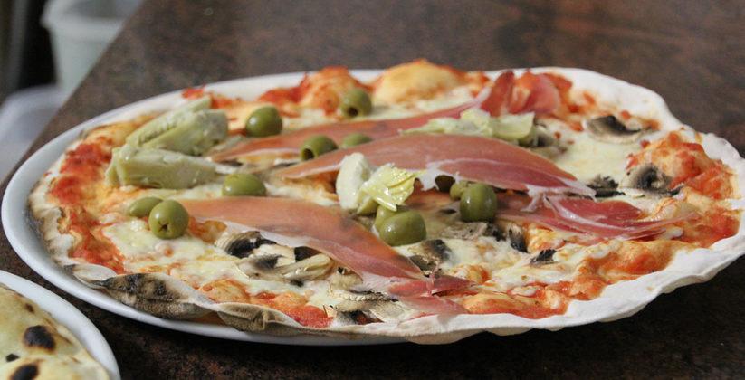 ala pizzeria le fontanelle potrai assaporare pizze gustose e ricche di tradizione