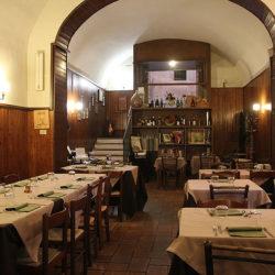 Trattoria del Cimino si trova a Caprarola in via Filippo Nicola n.44