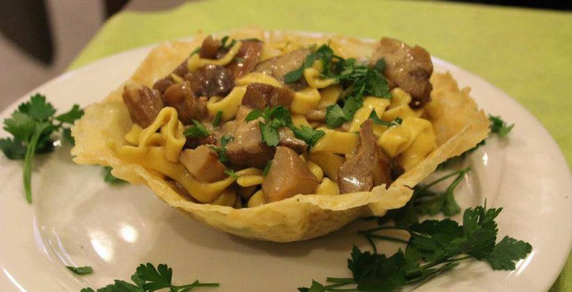 ambienti caldi e familiari rendono il ristorante olio d'oliva una delle principali scelte alla domanda dove mangiare a nella tuscia?