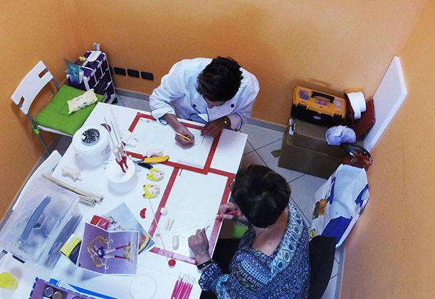 cook'n roll effettua anche corsi di formazione sul cake design, in cui potrai apprendere tutte le tecniche per creare le tue torte
