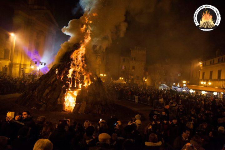 sacro fuoco di Sant'antonio Bagnaia