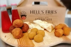 Hell's Fries: Menu da asporto e consegna a domicilio