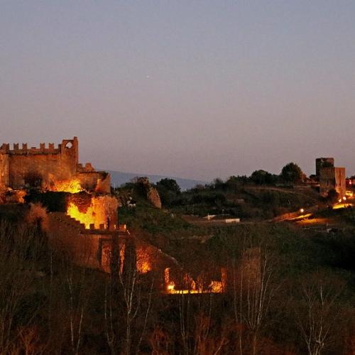 TUSCANIA – Notte nel borgo lungo la via…