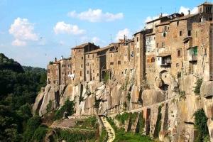 Castelli di Pietra: da Vitorchiano al monumento…